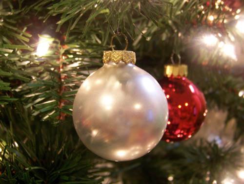 christmasball.jpg