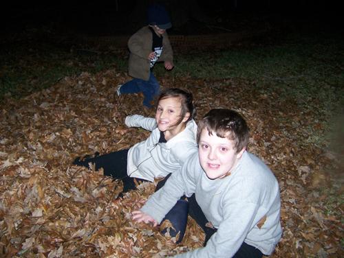 kids-leaves.jpg